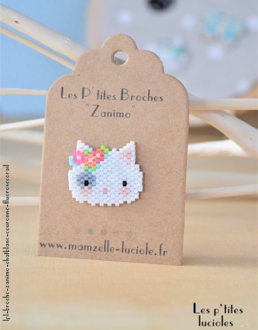 "lpl - Broche""Zanimo"" Le Chat Blanc - Couronne Fluo Rose-corail"