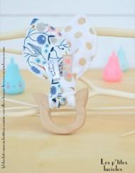 """lpl - Hochet-Anneau de dentition """"Zanimo Zoreilles"""" Décopois bleu-jaune et Mini pois Bleu ciel - Polaire Bleu ciel"""